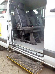 Ford Custom 9-Sitzer